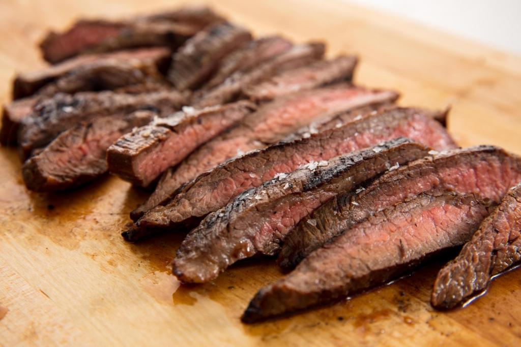 Demir içeren besinler - demir deposu ızgara sığır eti